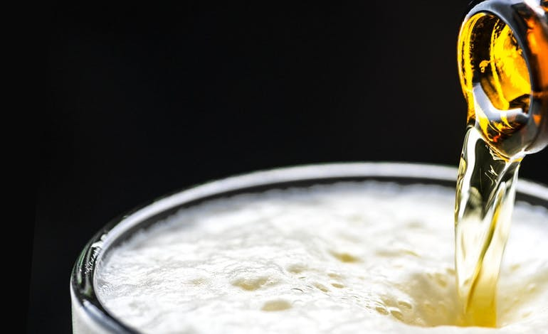 How the beer glass you use affects your experience Default