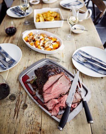 A Stellar Easter Roast with the Wow Factor