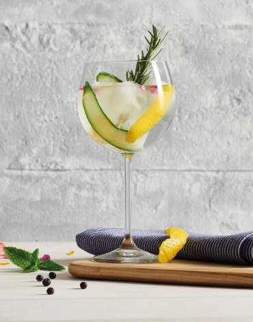 The perfect glass to join in the 'Gin Craze'