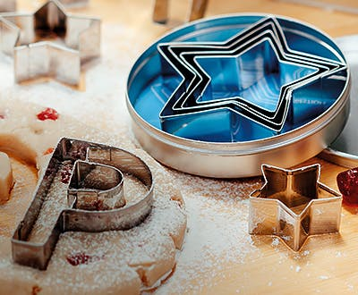 Judge star shaped cookie cutters