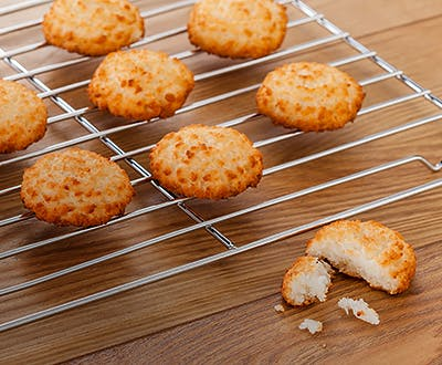 Judge Cooling Rack with biscuits