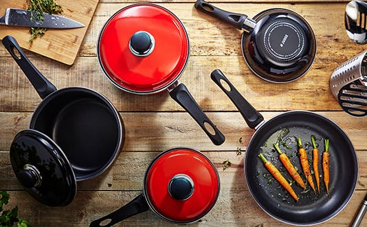 Judge Induction cookware - red and black
